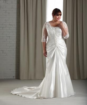 Wedding Dress Shopping Tips for Plus Size Brides